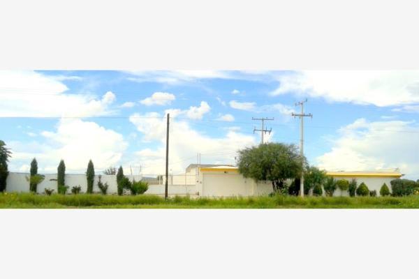 Foto de casa en venta en s/n , rancho los pinos, durango, durango, 9986426 No. 01