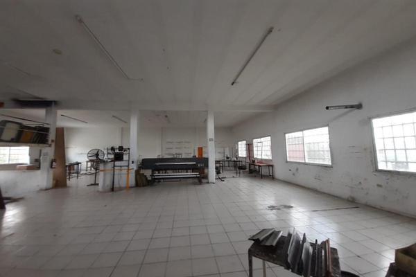 Foto de bodega en venta en s/n , región 230, benito juárez, quintana roo, 16799282 No. 02