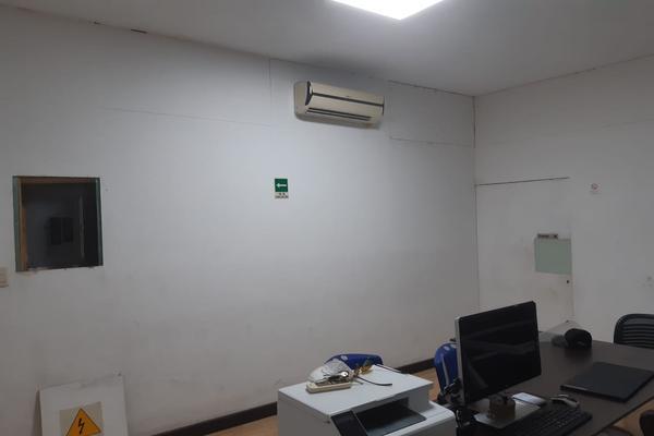 Foto de bodega en venta en s/n , región 230, benito juárez, quintana roo, 16799282 No. 06