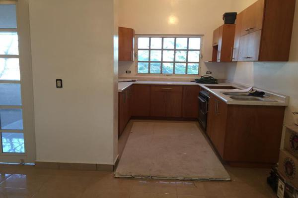 Foto de casa en venta en s/n , residencial la hacienda, torreón, coahuila de zaragoza, 11668617 No. 02
