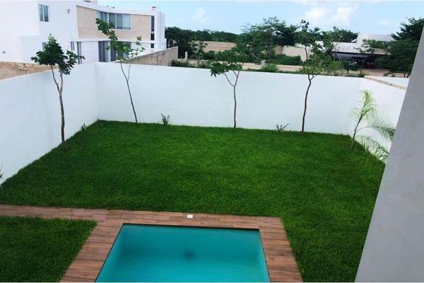 Foto de casa en venta en s/n , rincón colonial, mérida, yucatán, 9955122 No. 02