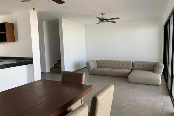 Foto de casa en venta en s/n , rincón colonial, mérida, yucatán, 9955122 No. 03