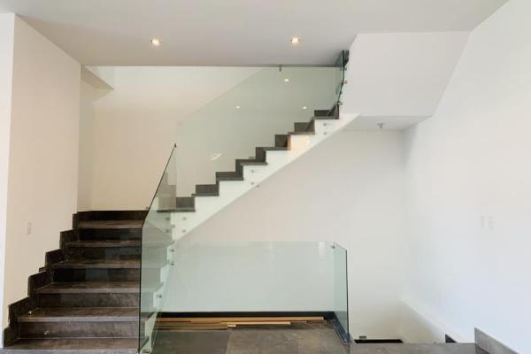 Foto de casa en venta en s/n , rincón de las montañas (sierra alta 8 sector), monterrey, nuevo león, 9981332 No. 01