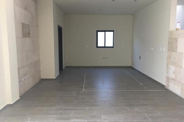Foto de casa en venta en s/n , villas de la aurora, saltillo, coahuila de zaragoza, 9974214 No. 02