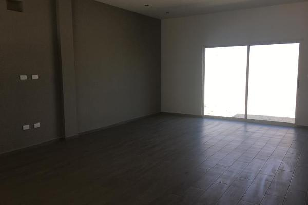 Foto de casa en venta en s/n , villas de la aurora, saltillo, coahuila de zaragoza, 9986890 No. 02