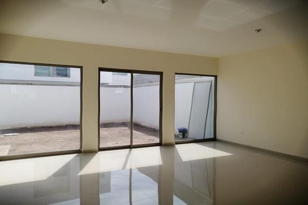 Foto de casa en venta en s/n , villas de las perlas, torreón, coahuila de zaragoza, 9949361 No. 02