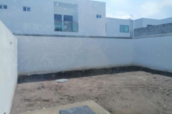 Foto de casa en venta en s/n , villas de las perlas, torreón, coahuila de zaragoza, 9949361 No. 03