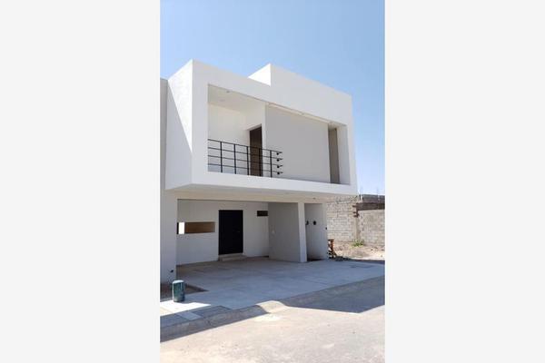 Foto de casa en venta en s/n , villas de las perlas, torreón, coahuila de zaragoza, 9969092 No. 02
