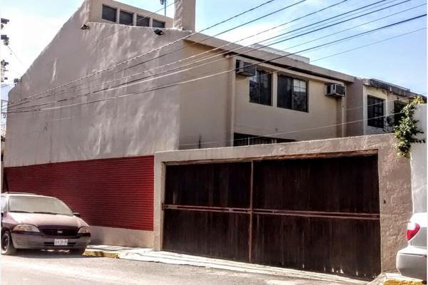 Foto de casa en venta en s/n , villas de santa engracia, san pedro garza garcía, nuevo león, 9964124 No. 02