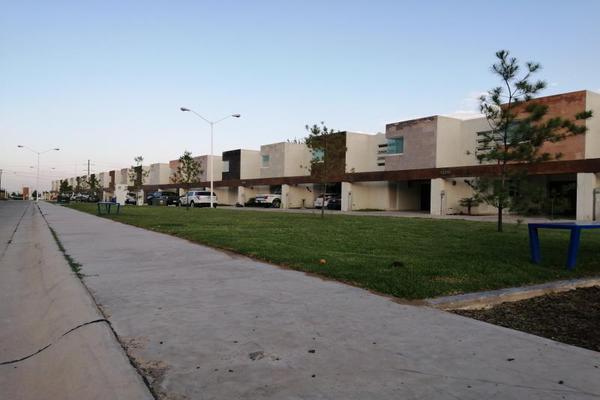 Foto de casa en venta en s/n , villas del sol, durango, durango, 9974068 No. 01