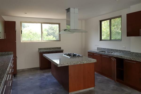 Foto de casa en venta en s/n , yucatan, mérida, yucatán, 9981621 No. 02