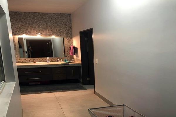 Foto de casa en venta en s/n , zona lomas del campestre, san pedro garza garcía, nuevo león, 9984719 No. 08