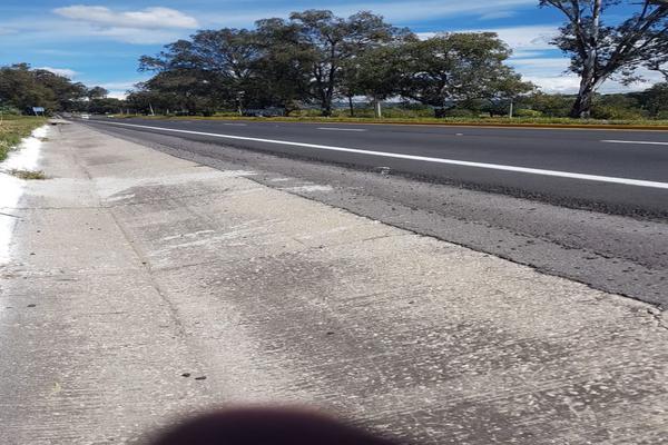 Foto de terreno habitacional en venta en sobre carretera km68 , atlatlahucan, atlatlahucan, morelos, 10025359 No. 02