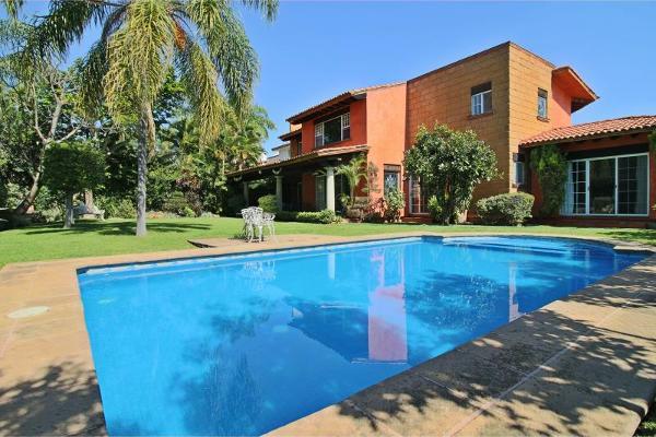Foto de casa en venta en  , sumiya, jiutepec, morelos, 3116169 No. 01