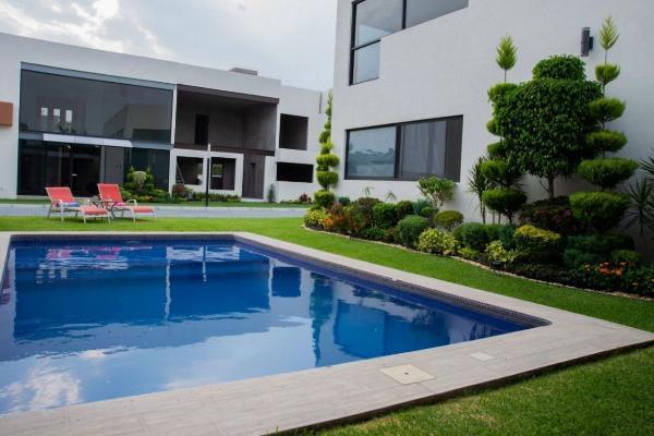 Foto de casa en venta en  , sumiya, jiutepec, morelos, 8856905 No. 01