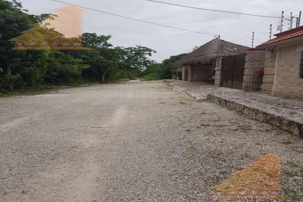 Foto de terreno habitacional en venta en  , supermanzana 312, benito juárez, quintana roo, 19180478 No. 02