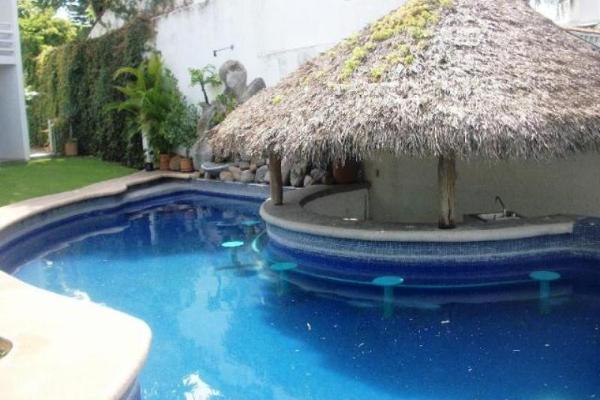 Foto de casa en venta en  , tabachines, cuernavaca, morelos, 3599000 No. 02