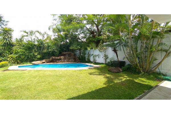 Foto de casa en venta en  , tabachines, cuernavaca, morelos, 7483159 No. 01
