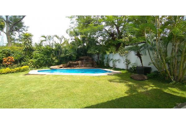 Foto de casa en venta en  , tabachines, cuernavaca, morelos, 7483159 No. 02