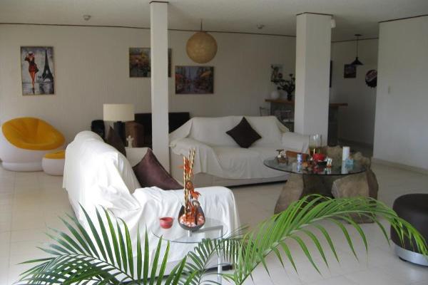 Foto de casa en venta en  , tabachines, cuernavaca, morelos, 9301286 No. 01