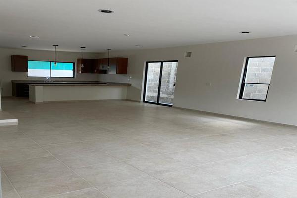 Foto de casa en venta en  , tampico altamira sector 2, altamira, tamaulipas, 20132980 No. 02