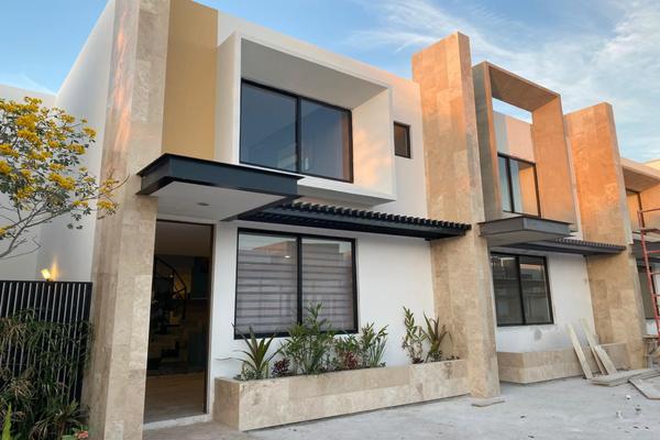 Foto de casa en venta en  , temozon norte, mérida, yucatán, 14026451 No. 01