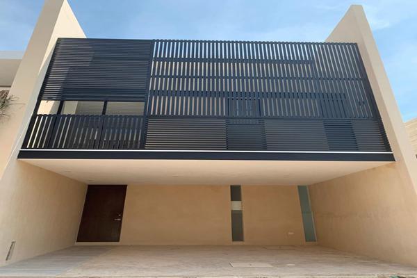 Foto de casa en venta en  , temozon norte, mérida, yucatán, 14026455 No. 01