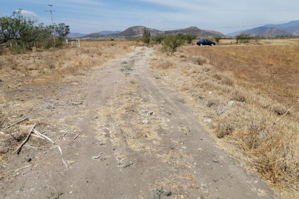 Foto de terreno habitacional en venta en  , tlacolula de matamoros centro, tlacolula de matamoros, oaxaca, 6168038 No. 02
