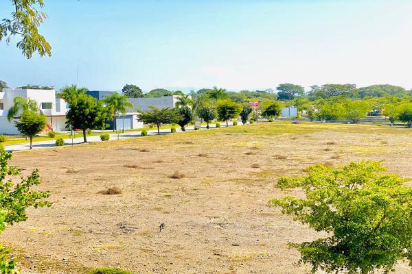 Foto de terreno habitacional en venta en tlakamakán , colinas de santa fe, colima, colima, 17171582 No. 02