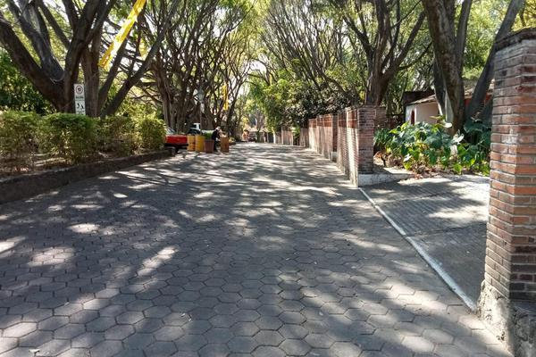 Foto de terreno habitacional en venta en  , tlaltenango, cuernavaca, morelos, 7962705 No. 01