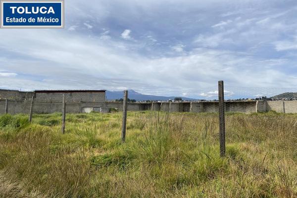 Foto de terreno habitacional en venta en  , toluca, toluca, méxico, 17300918 No. 01