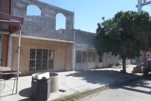 Foto de casa en venta en  , torreón centro, torreón, coahuila de zaragoza, 2687653 No. 02