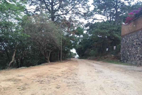 Foto de terreno habitacional en venta en  , tzompantle norte, cuernavaca, morelos, 5648369 No. 01
