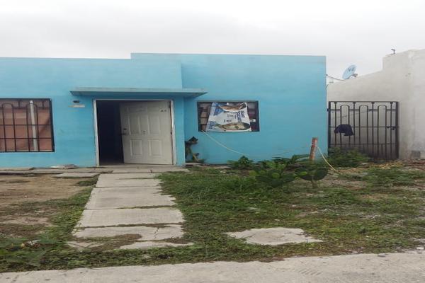 Foto de casa en venta en urano , colinas del aeropuerto, pesquería, nuevo león, 0 No. 01