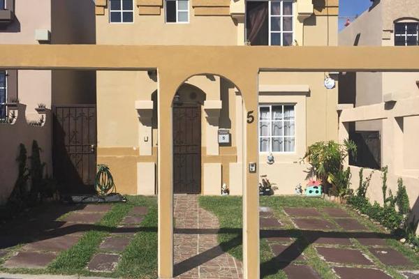 Foto de casa en venta en  , urbi quinta del cedro, tijuana, baja california, 2001879 No. 01