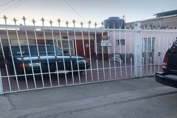 Foto de casa en venta en vallarta 5104 , las granjas, chihuahua, chihuahua, 0 No. 02