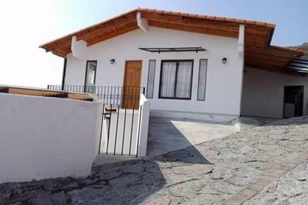 Foto de casa en venta en  , valle de bravo, valle de bravo, méxico, 7913281 No. 01