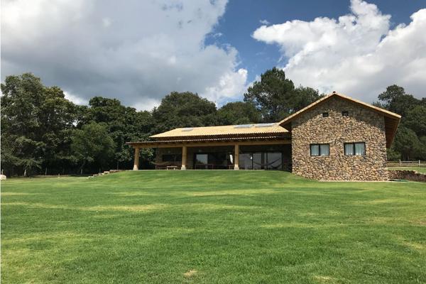 Foto de casa en venta en  , valle de bravo, valle de bravo, méxico, 9304600 No. 01