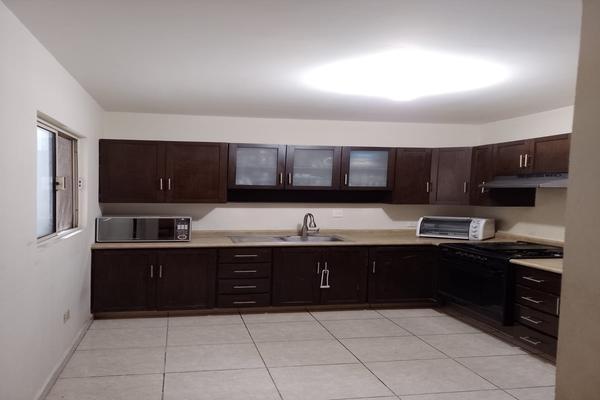 Foto de casa en renta en  , valle de la sierra, santa catarina, nuevo león, 20931758 No. 02