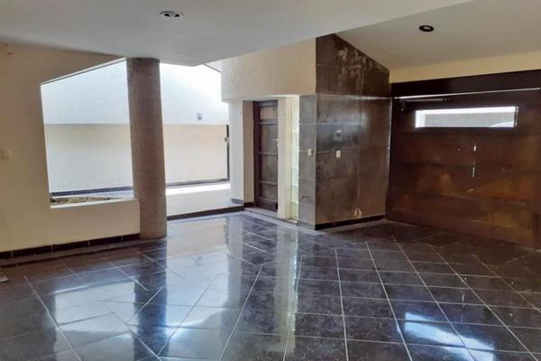 Foto de casa en venta en  , valle del campestre, león, guanajuato, 16886017 No. 02