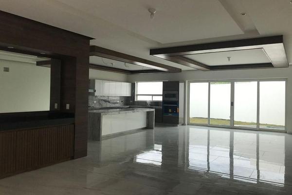 Foto de casa en venta en  , valle del cristal, metepec, méxico, 7956856 No. 02