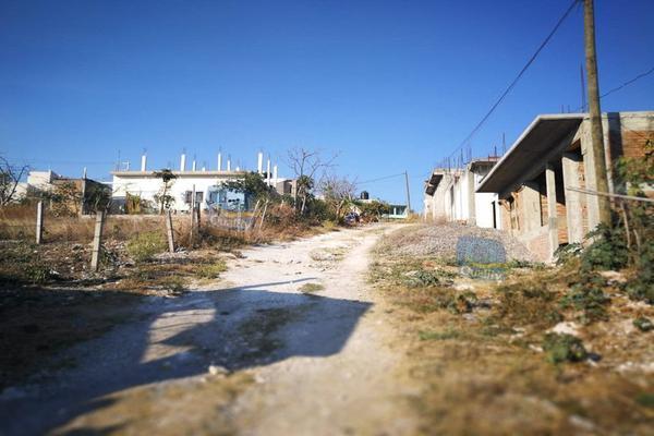 Foto de terreno habitacional en venta en  , valle esmeralda, chilpancingo de los bravo, guerrero, 14024006 No. 01