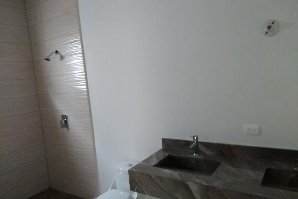 Foto de casa en venta en  , valles de cristal, monterrey, nuevo león, 5690146 No. 02