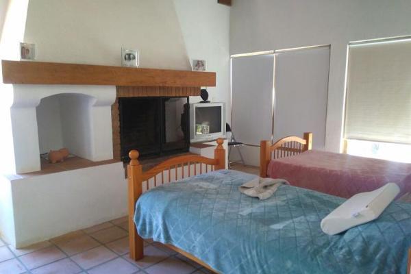 Foto de casa en venta en vega del campo 100, avándaro, valle de bravo, méxico, 3051888 No. 03