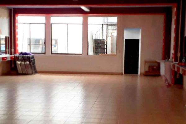 Foto de edificio en venta en  , ventura puente, morelia, michoacán de ocampo, 16965400 No. 02