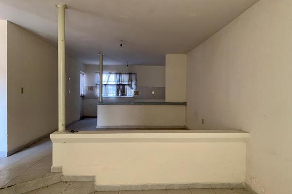 Foto de casa en venta en victor hugo , bugambilias, salamanca, guanajuato, 20080924 No. 02