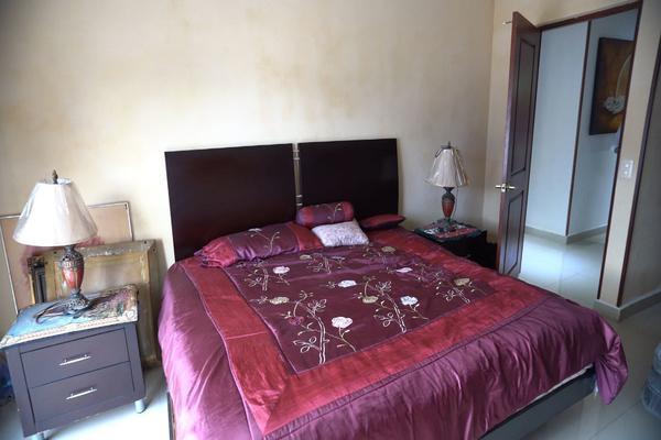 Foto de casa en venta en  , villa las fuentes, monterrey, nuevo león, 16167141 No. 16