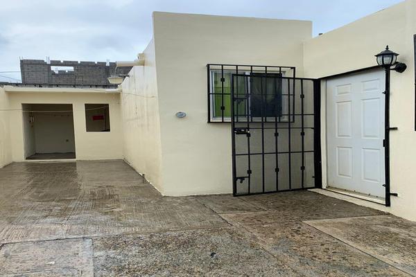 Foto de casa en venta en  , villa las rosas, altamira, tamaulipas, 0 No. 02