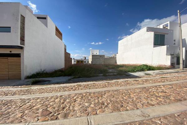 Foto de terreno habitacional en venta en  , villas cervantinas, guanajuato, guanajuato, 17257671 No. 01