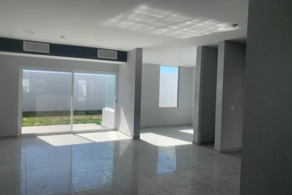 Foto de casa en venta en  , villas de las perlas, torreón, coahuila de zaragoza, 8850090 No. 02